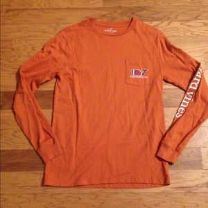 Vineyard Vines Texas Longhorn Themed Logo Shirt
